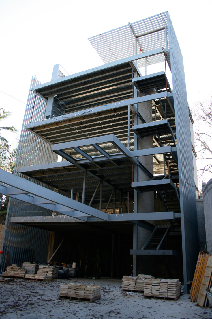 Vertical House_03.jpg